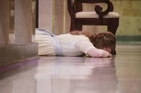 impressing God woman prostrate